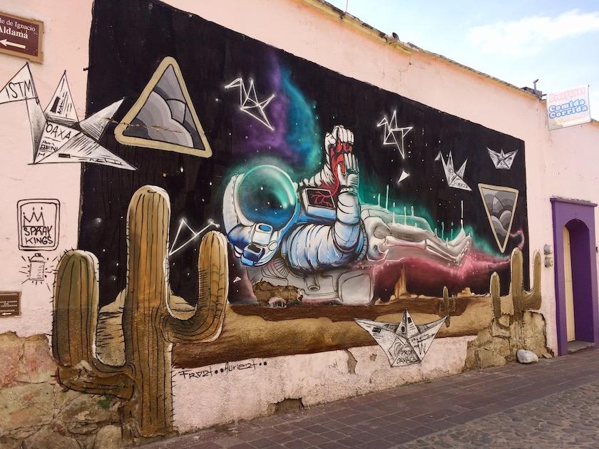 vista de un mural en jalatlaco