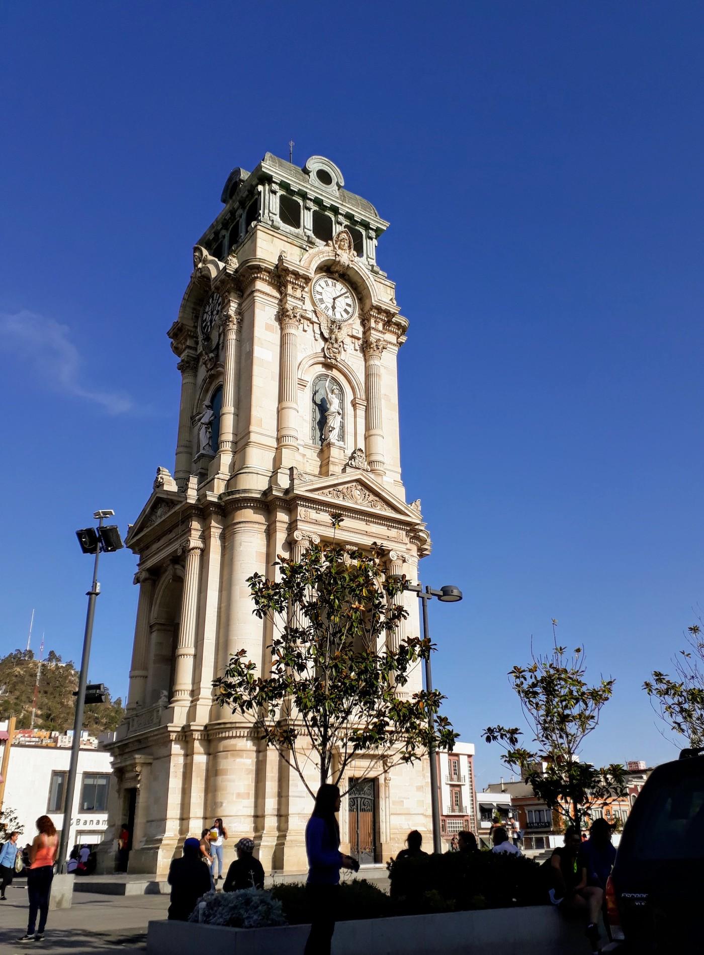 Reloj monumental