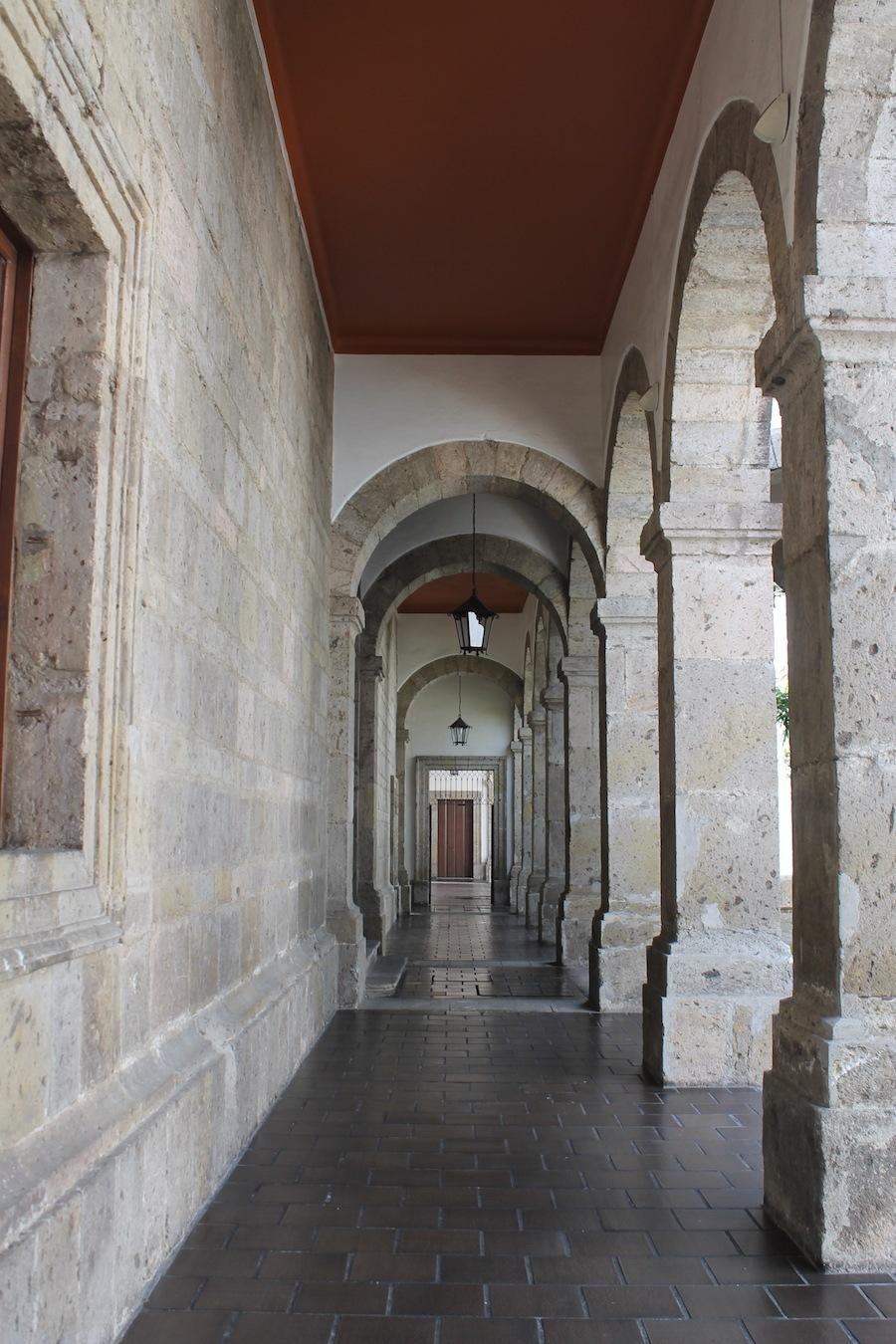 Pasillos del Hospicio Cabañas obra del arquitecto Manuel Tolsá