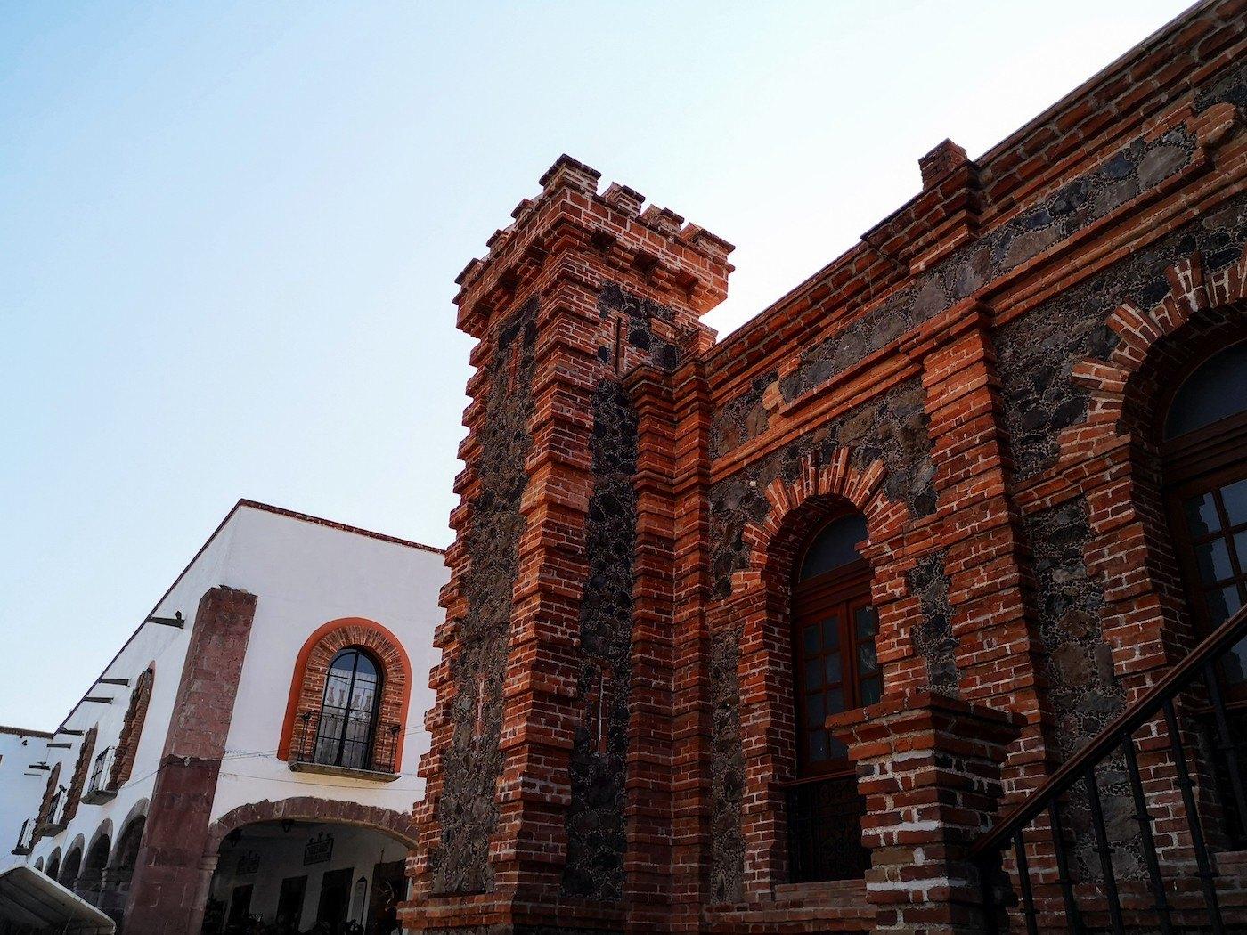 Villa de Tezontepec y sus preciosas fachadas