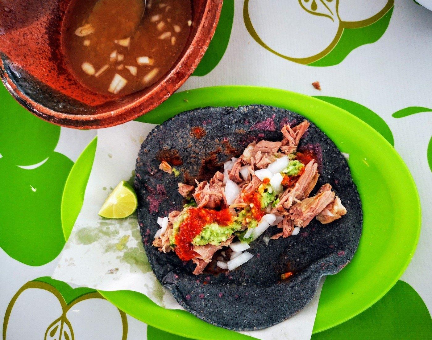 Taco de barbacoa en Villa de Tezontepec
